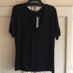 Black super soft v-neck shirt from nasty gal